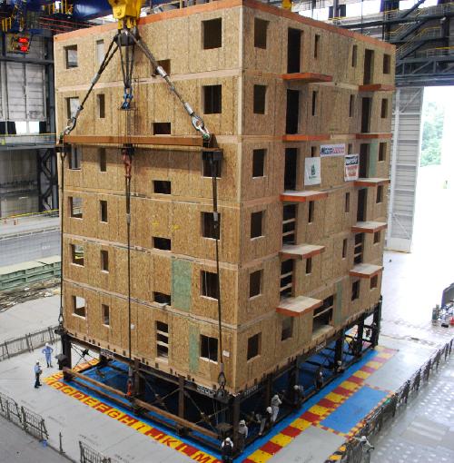 Seven-storey condominium on shake table