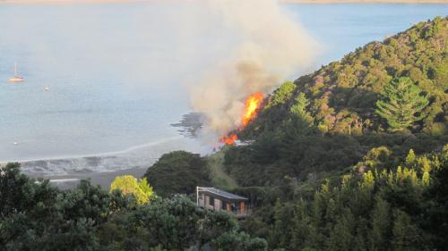 Opahi Bay fire, 8 January 2014