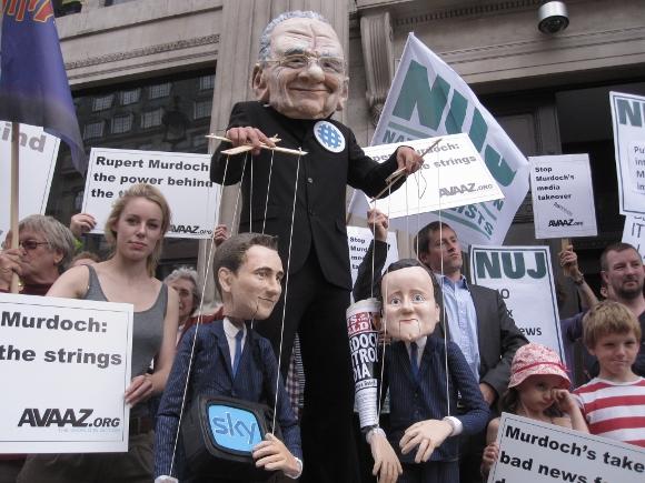 Avaaz Murdock protest