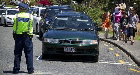 Long Bay car queue