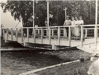 St Georges pivot bridge