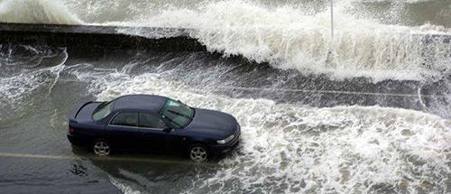 Tamaki Drive storm surge, 2014