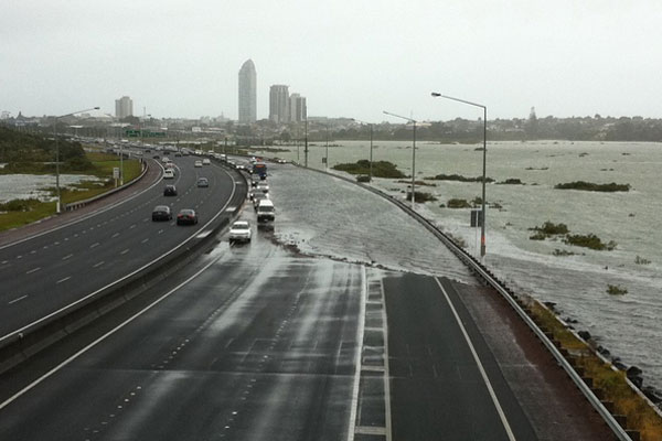 Tidal surge, Northern Motorway, 23-01-2011
