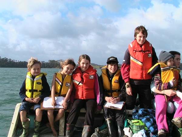 School students returning from Dyers Creek planting, 3 September 2007