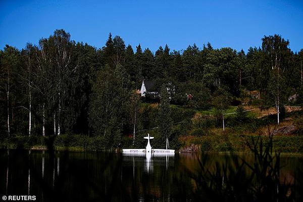 Pipistrel Alpha Electro G2 electric plane crash-lands in Norwegian lake